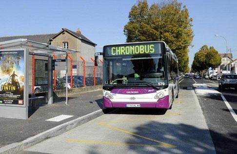 Alternatives au tramway, les lignes Chronobus desservent l'ensemble de la métropole nantaise © Semitan