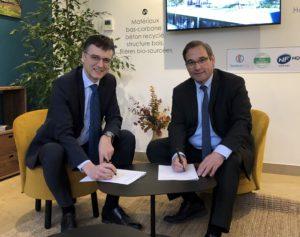 Jean-Marie Sermier, président de la Fédération des Entreprises publiques locales (à dr.), et Nicolas Gravit, directeur général d'Eiffage Aménagement. Photo ©FedEpl